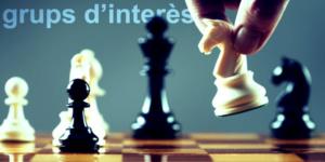 Sobre grupos de interés